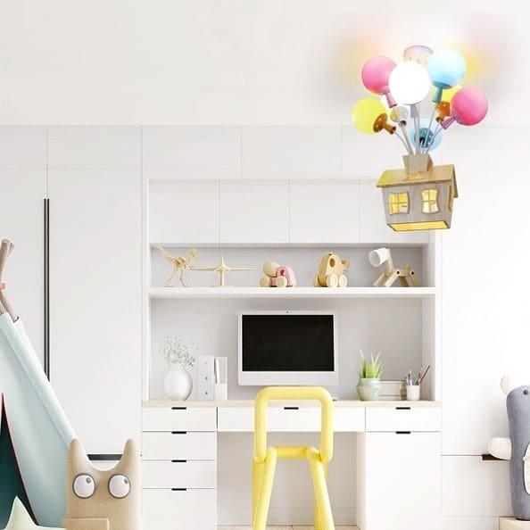 Lustre camera copii